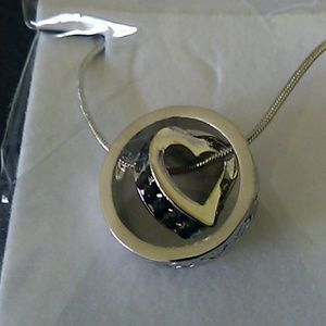 A19- heart necklace